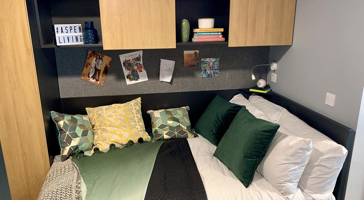 Ensuite (4 Bed)